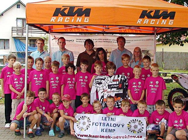 Fotbalový kemp v Jablonné nad Vltavou, který absolvovali hráči ročníku 2000 a mladší.