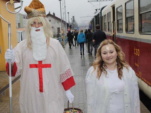 Zvláštní sobotní Mikulášský vlak z Benešova do Vlašimi a Trhového Štěpánova.