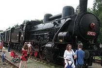 Parní vlak vyrazil do Kácova.