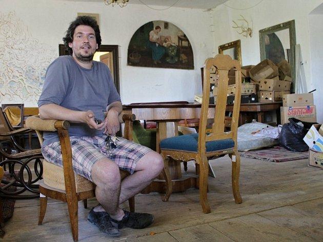 Majitel zámku v Martinicích Pavel Kuře.