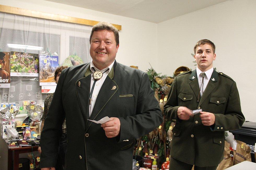 Z Mysliveckého plesu spolku Žďár Smilkov v Neustupově.