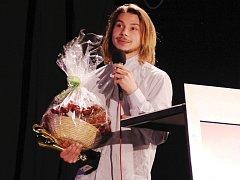 Libor Podmol, motokrosový freestylista, vyhrál Sportovce Benešovska 2016. Cenu převzal  jeho bratr Filip.