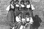 Svazáci měli v Peceradech u Týnce nad Sázavou také svůj soubor písní a tanců.