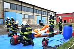 Složky IZS procvičovaly zásah u požáru s výskytem nebezečné látky