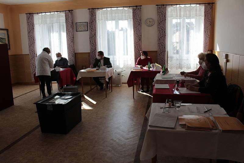 Volby v Miličíně.