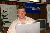 Komisař Zdeněk Sadílek v redakci nikoliv jako vyšetřovatel, ale jako vyslýchaný