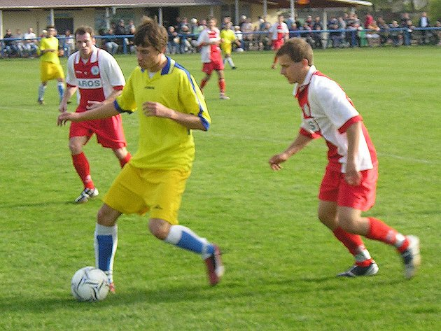 Bojácný výkon s mnoha chybami předvedli benešovští hráči v Libiši. Divizní utkání domácí vyhráli tříbrankovým rozdílem.