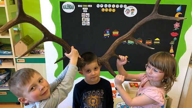 Děti v mračské mateřince MiniSvět poznávaly přírodu.