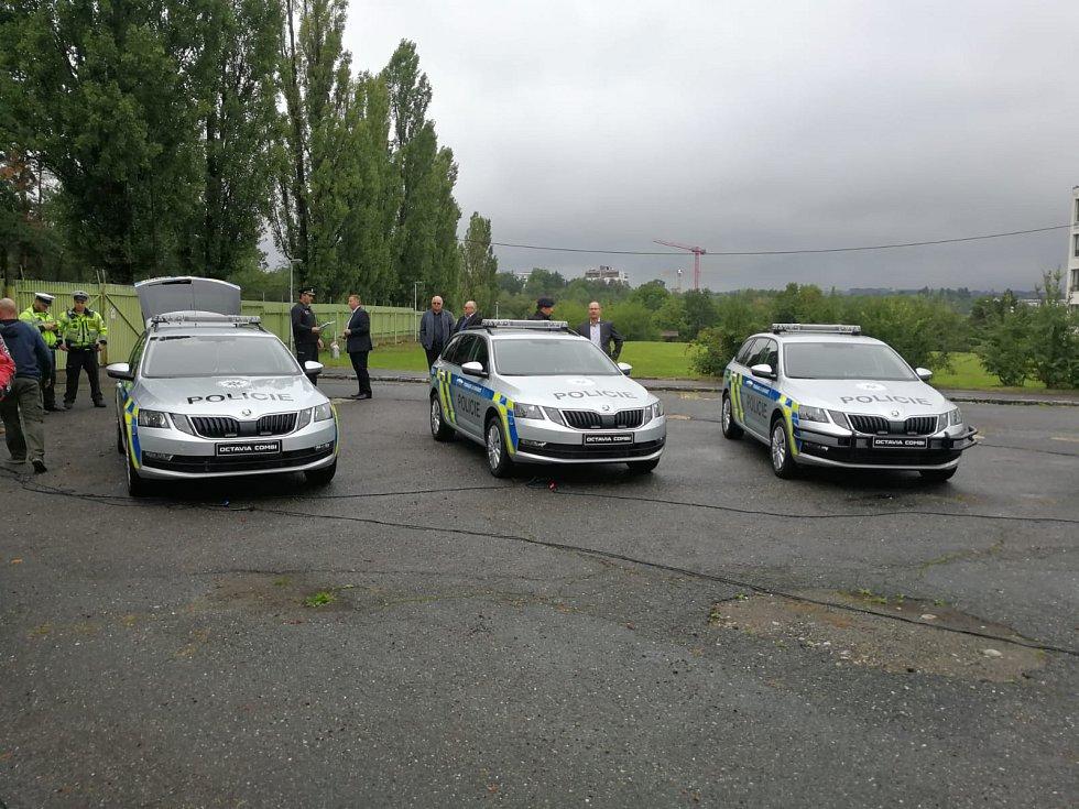Z představení nových policejních vozidel Škoda Octavia combi.