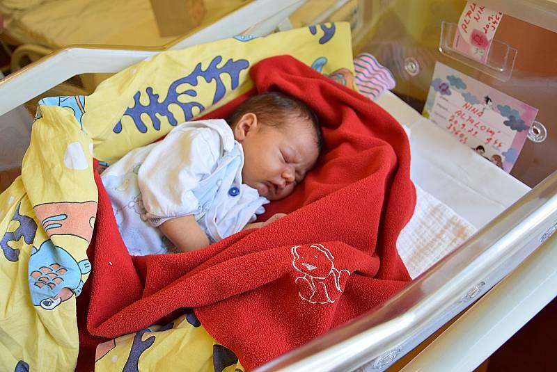 Nina Altalová se manželům Kateřině a Ramimu narodila v benešovské nemocnici 20. září 2021 v 9.44 hodin, vážila 3460 gramů. Doma v Kamenici na ni čekali sourozenci Editka (12) a Nela (5).