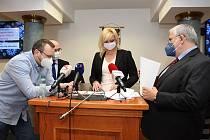 Tisková konference Středočeského kraje k epidemiologické situaci.