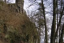Pod hradem Zbořený Kostelec se každý rok koná Bitva o brod.
