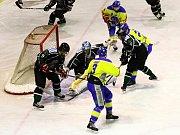 Benešovští Lvi nastříleli Příbrami osm gólů.