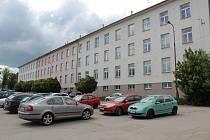 Opuštěný objekt Pražských kasáren v Benešově.