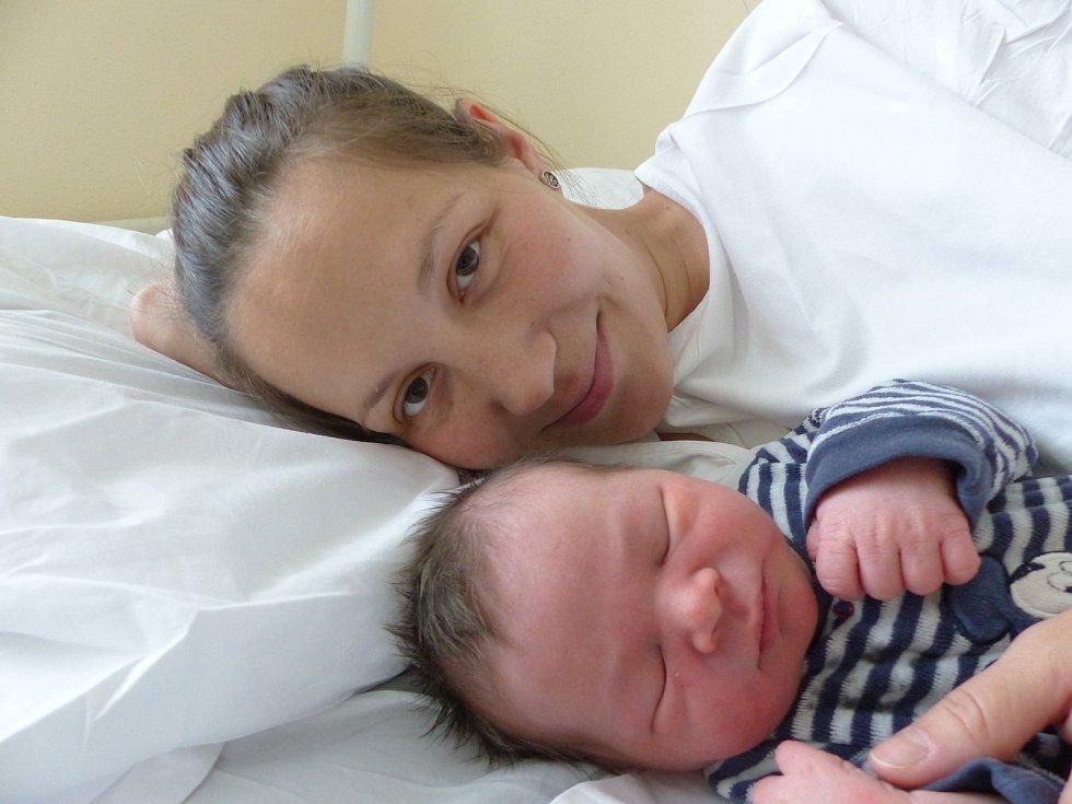Jan Špinka se narodil 11. dubna 2021 v kolínské porodnici,  vážil 3860 g a měřil 50 cm.  V Krakovanech se z něj těší sestřičky  Petruška (4), Martinka (2) a rodiče Petra a Jan.