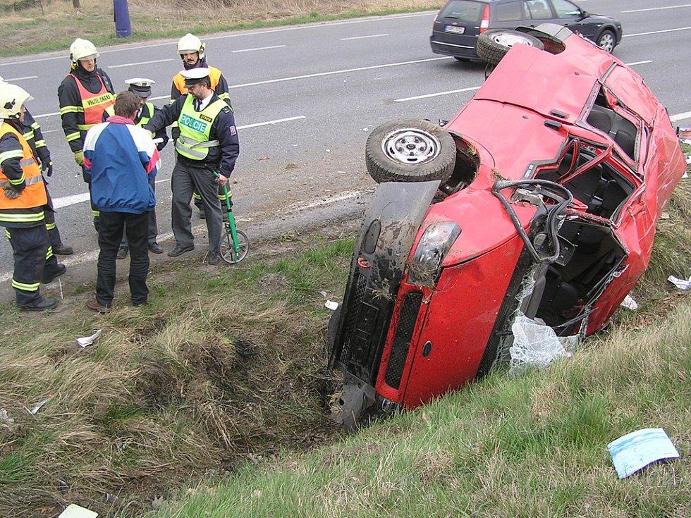 Nehoda na silnici I/3 u Benešova.