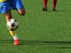 Ilustrační foto -fotbal na umělé trávě