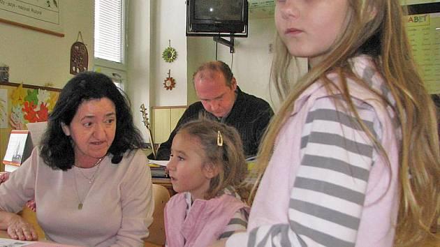 Zápis do 1. tříd v ZŠ Karlov.