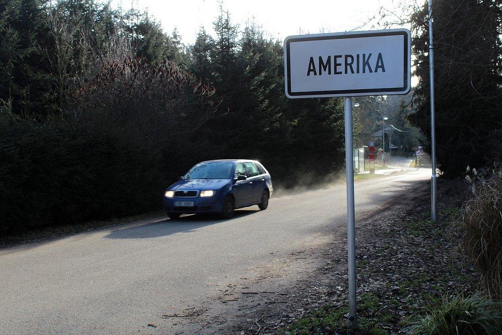 """Město Votice vybuduje v osadě Amerika kanalizaci. Obyvatelé se na ni už těší a říkají: """"Už aby to bylo!"""""""