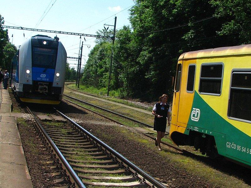 RegioPanter ladně svištěl po koridoru 160 km/h.