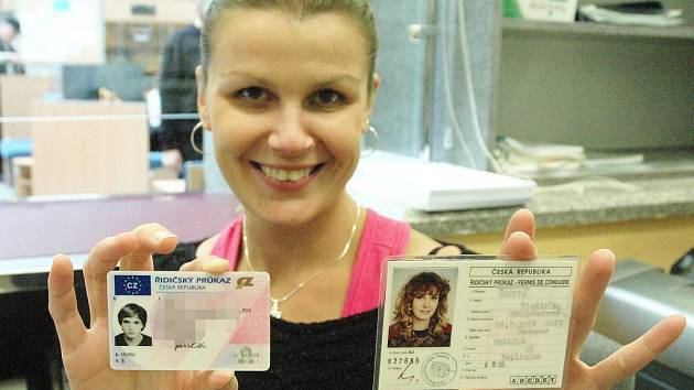 Řidičské průkazy je třeba vyměnit do konce roku 2013.