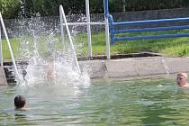 V úterý 10. června po 13. hodině vystoupala v Benešově venkovní teplota ve stínu na 32 °C.