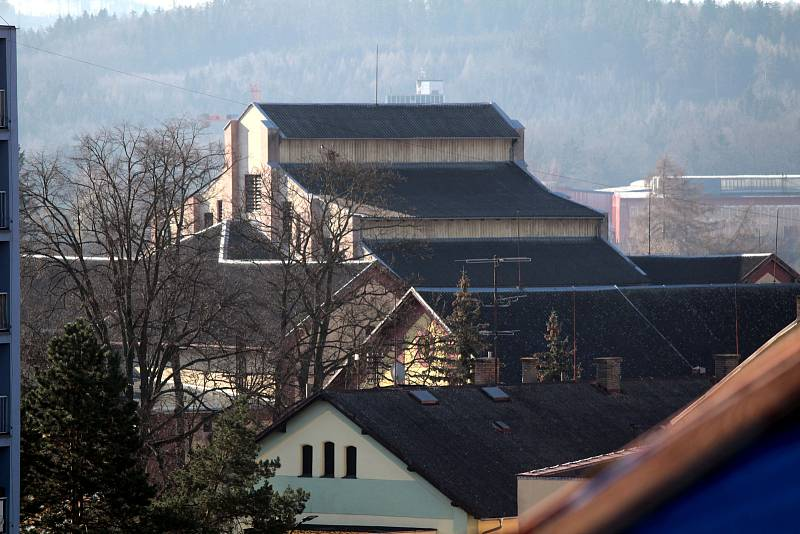 Benešov při pohledu ze střechy kostela sv. Anny - pivovar.