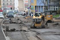 Benešovská Pražská ulice prochází rekonstrukcí. nyní probíhá její druhá etapa.