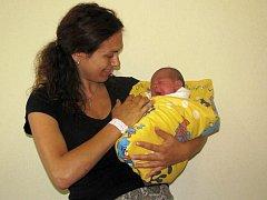 Kateřině a Jaroslavovi Peckovým z Velkých Popovic se 3. srpna ve 20.39 narodila dcera Anna Kateřina (3,5 kg, 49 cm).