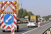 Řidiči musí letos na dálnici D1 předpokládat řadu dopravních omezení.