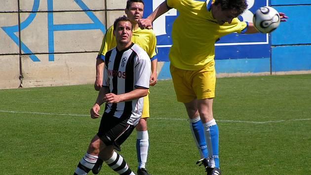 Hlavičku sice Roman Křivohlavý získal pro sebe, zápas ale naopak Admira.