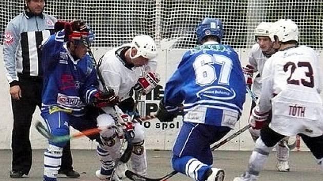 Fantastický obrat předvedli vlašimští hokejbalisté proti mistru extraligy Habešovně Gladiators.