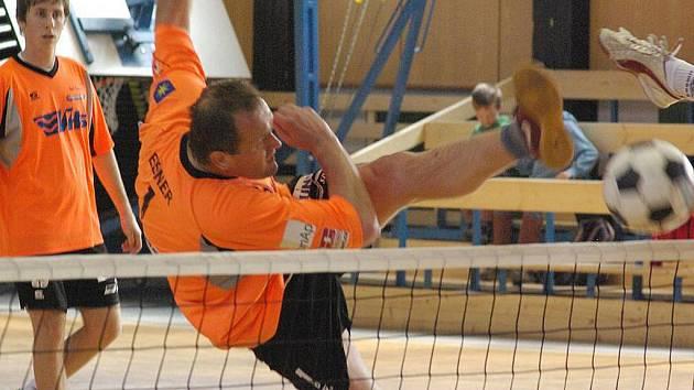 Ešner se Štěpařem přispěli k výhře benešovského Šacungu ve Vsetíně třemi vyhranými zápasy.