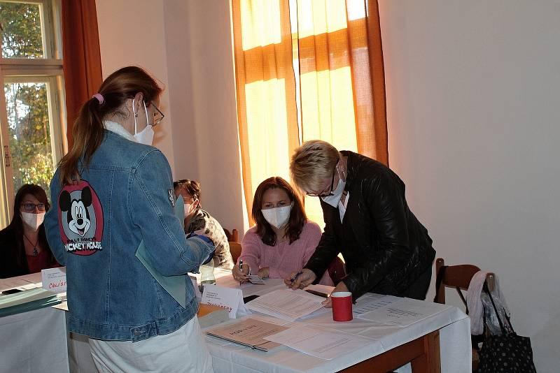 Parlamentní volby na Chlístově.