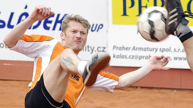 Tři deblové zápasy, tři výhry. Ani taková bilance Jiřího Holuba neuchránila benešovský Šacung od dvou porážek v řadě.