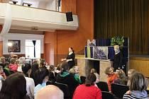 V neděli 3. března ztvárnilo Bářino toulavé divadlo pro děti pohádku Nebojsa.
