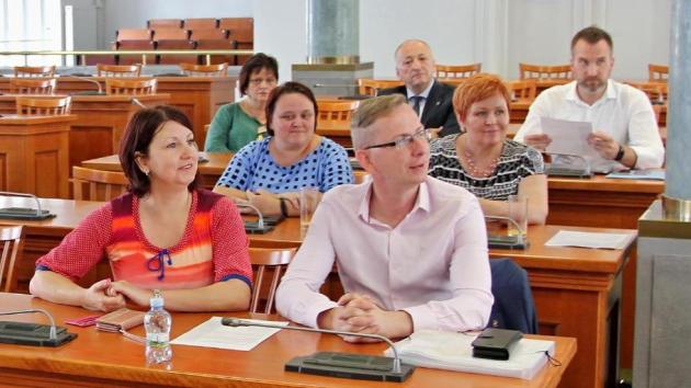 Zástupci krajů jednali v Praze o sociálních službách i o podmínkách čerpání peněz na opravy silnic