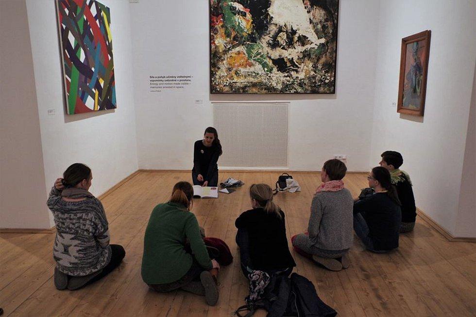 Výstavní program na rok 2018 i doprovodní programy pro letošní rok představila ve čtvrtek Galerie Středočeského kraje v Kutné Hoře – GASK. Na snímku Když jdou děti spát.