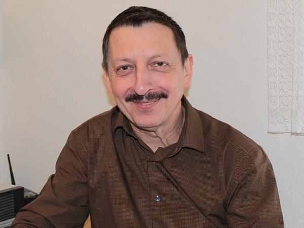 Miloslav Hořejší je svým žákům nejen pedagogem, ale často irodičem a psychologem.