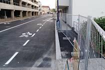 Ještě neprůjezdná Nádražní ulice v Benešově.