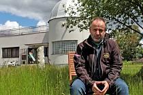 Učitel matematiky a fyziky Jan Urban patří k lídrům Vlašimské astronomické společnosti.
