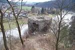 Zřícenina hradu Zbořený Kostelec.