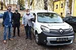 Novým pomocníkem je v Bystřici elektromobil Renault Kangoo Z.E.