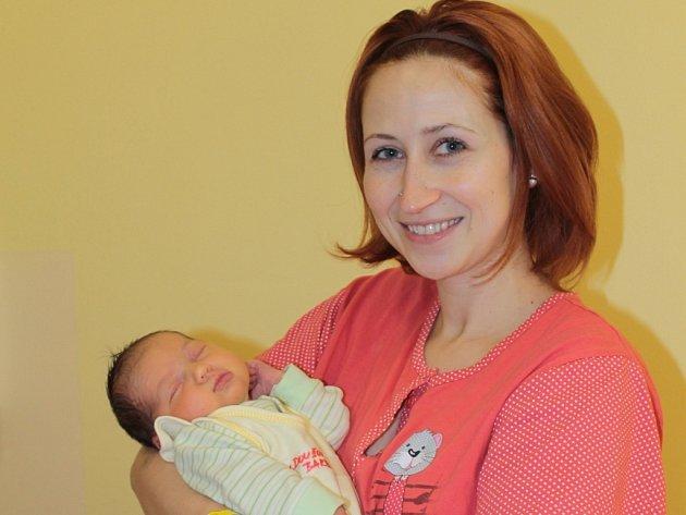 Barbora Doušová, která se narodila 29. března v 8.16 je druhorozenou dcerou manželů Kateřiny a Jana.  Na svět přišla s váhou 3,58 kg, mírou 51 cm a ve Voticích na ní čeká sestra Anička (20 měsíců).
