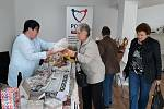 Velikonoční prodejní výstava v kontaktním centru Pomoci seniorům a zdravotně postiženým v Benešově.