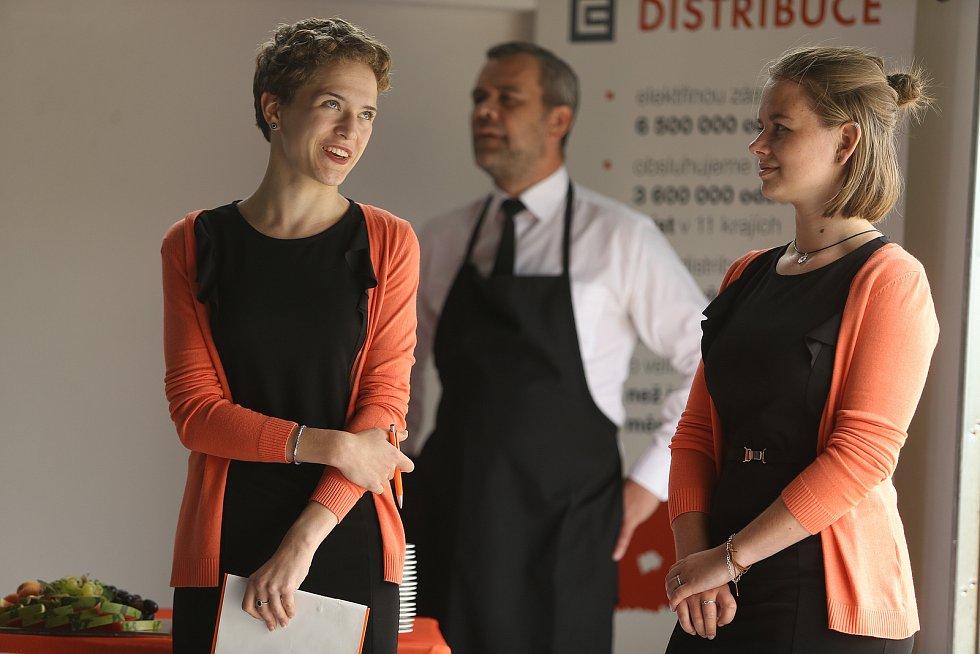 Tisková konference ČEZ Distribuce se v transformovně v Řeporyjích konala ve čtvrtek 18. června. Akci jsme navštívili s redakčním objektivem.