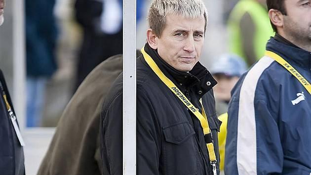 Jaroslav Tesař na lavičce benešovského SK.