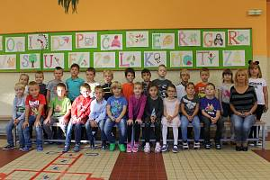 Základní škola Sídliště ve Vlašimi: třída 1.A s učitelkou Danou Bayerovou.