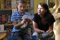 Nejen před vysvědčením vyhledávají děti pomoc odborníků.