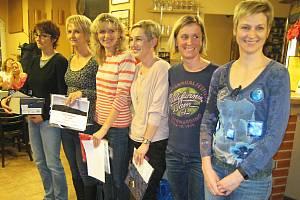 Nejúspěšných šest žen kategorie 35 - 44 let v celkovém hodnocení seriálu 3. ročníku Podblanický běžec za rok 2016.